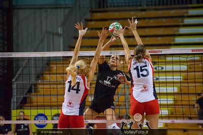 Simona Gioli attacca contro Elena Koleva e Floriana Bertone a muro