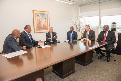 Senator Bradford's Roundtable Discussion with Governor Brown on Transportation Diversity at California State University Dominguez Hills