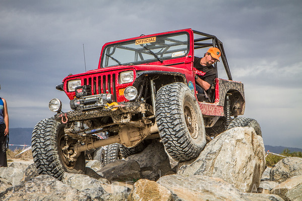 Red Jeep on obstacle course, 2016 Tierra del Sol Desert Safari