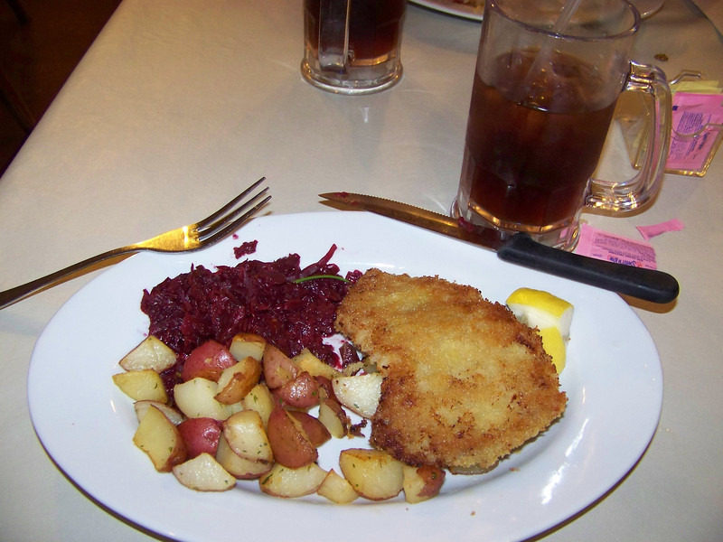 At King Ludwig's restaurant, I had Wiener schnitzel with red cabbage and roasted potatoes.  Yum!<br /> [Leavenworth, WA]