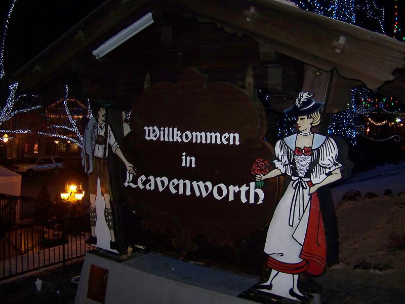 "Wilkommen in Leavenworth! [Leavenworth, WA - December 2013 - <b><a target=""_new"" href=""http://youtu.be/NqCqDCOY_tc"">Watch my video here</a></b>]"