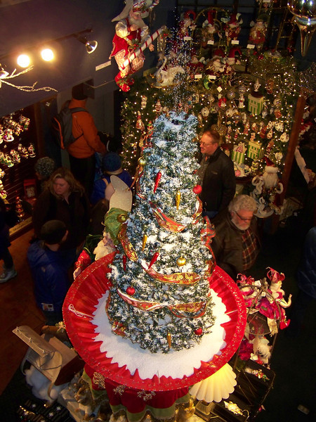 """This """"snowing"""" Christmas tree was in the atrium of the Kris Kringl shop. [Leavenworth, WA - December 2013 - <b><a target=""""_new"""" href=""""http://youtu.be/NqCqDCOY_tc"""">Watch my video here</a></b>]"""