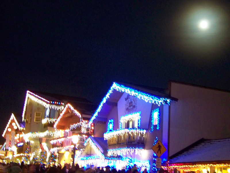 """Moon over the Christmas lights. [Leavenworth, WA - December 2013 - <b><a target=""""_new"""" href=""""http://youtu.be/NqCqDCOY_tc"""">Watch my video here</a></b>]"""