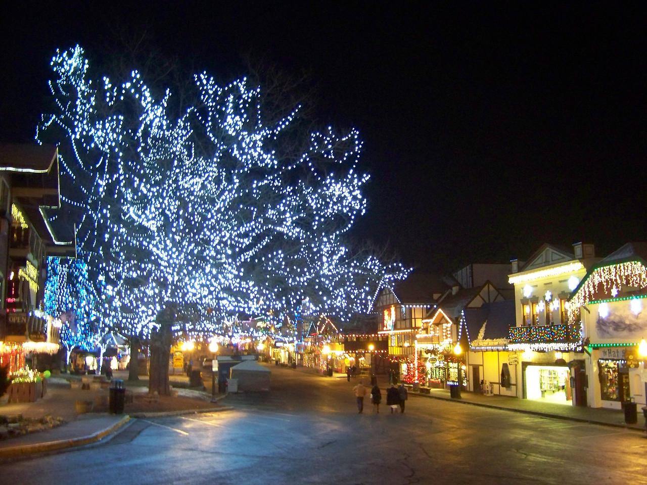 "Christmas lights on Front Street. [Leavenworth, WA - December 2013 - <b><a target=""_new"" href=""http://youtu.be/NqCqDCOY_tc"">Watch my video here</a></b>]"