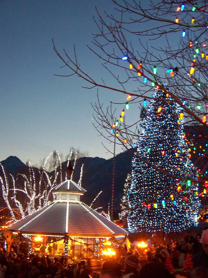 """Christmas lights on the gazebo and the trees in the park. [Leavenworth, WA - December 2013 - <b><a target=""""_new"""" href=""""http://youtu.be/NqCqDCOY_tc"""">Watch my video here</a></b>]"""