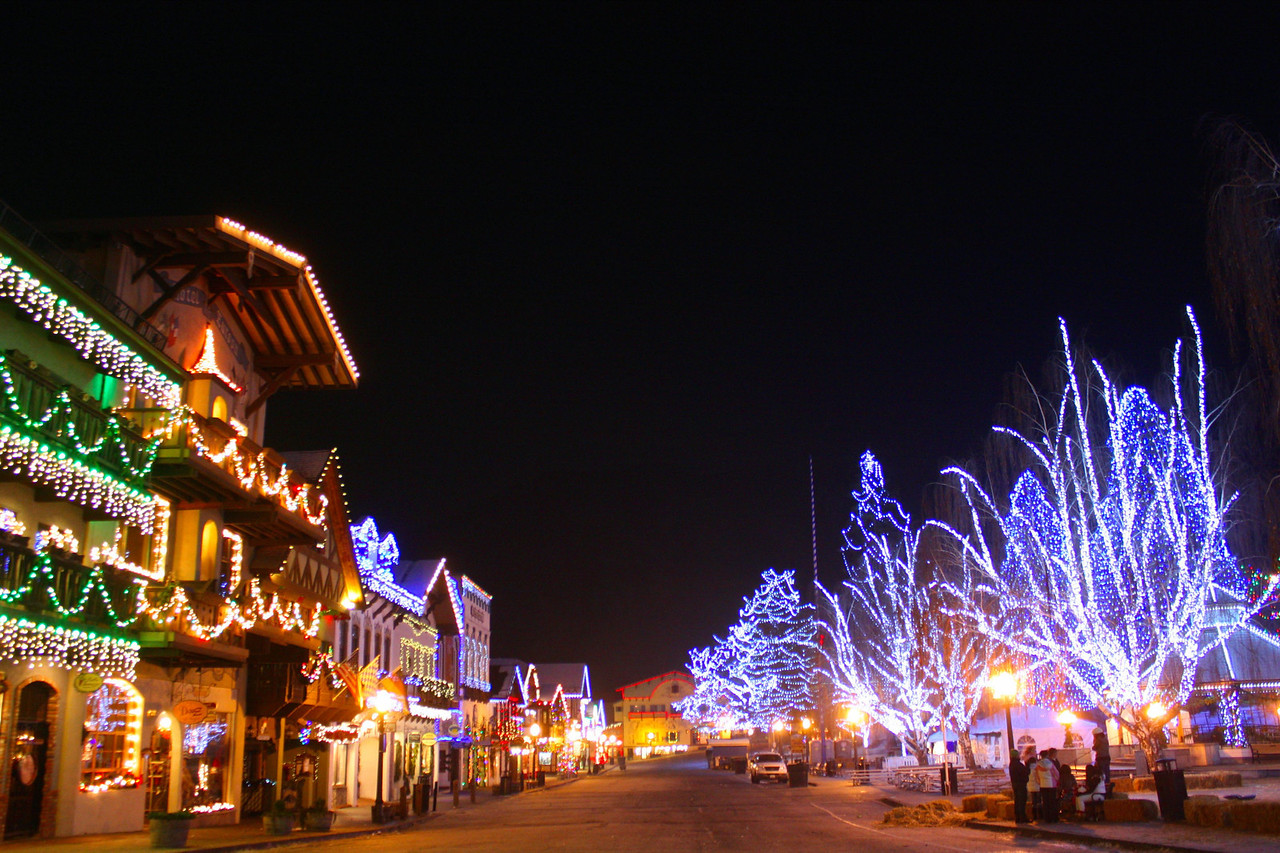 """This awesome photo of Front Street's Christmas lights was taken by Pat. [Leavenworth, WA - December 2013 - <b><a target=""""_new"""" href=""""http://youtu.be/NqCqDCOY_tc"""">Watch my video here</a></b>]"""