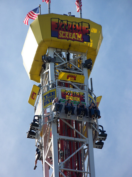 Once you reach the top of the Extreme Scream, you hover a few seconds before plummeting down.  Made me wanna hurl just watching it!<br /> [Puyallup, WA Fair 2009]
