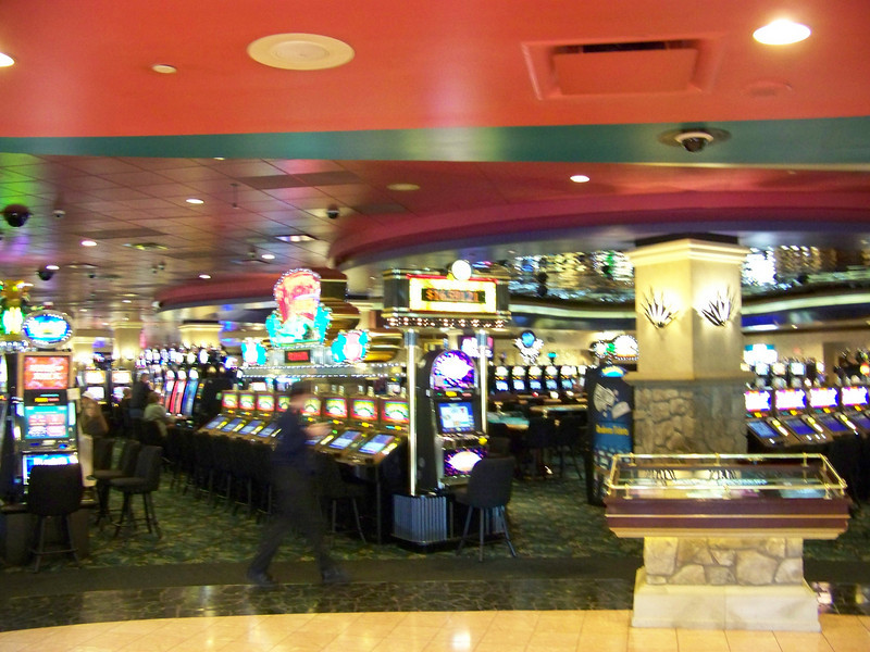 The casino is fairly big, and has a nice variety of machines.<br /> [Seven Feathers Resort in Canyonville, OR]