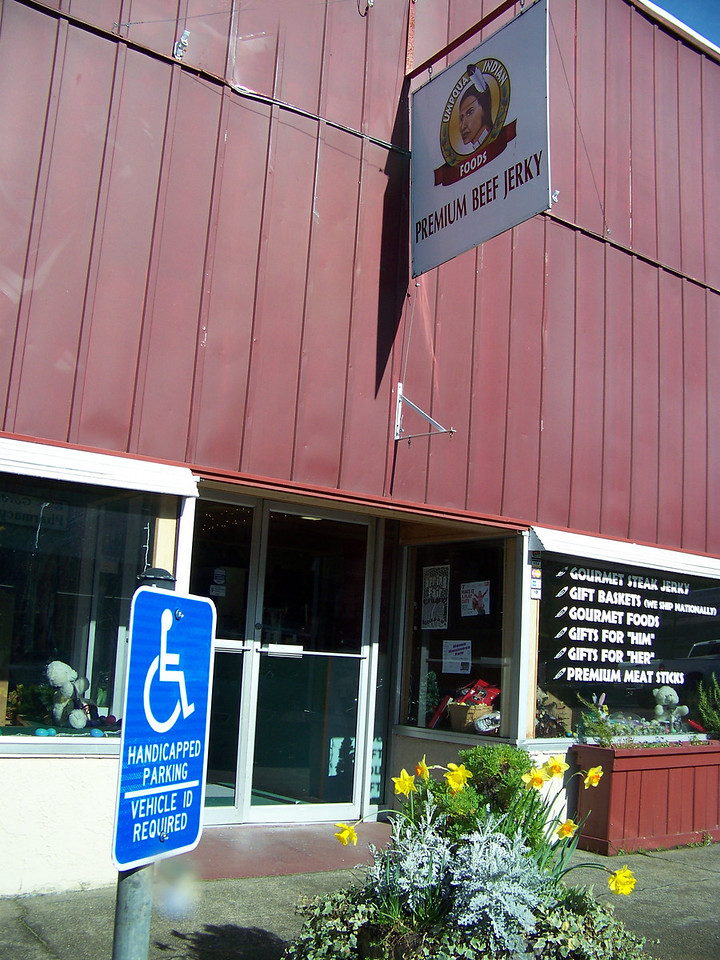 "We went to the Umpqua Indian Foods store in downtown (also owned by the tribe that owns the casino), and bought some excellent beef jerkey!  <b><a target=""_new""  href=""http://www.umpquaindianfoods.com"">You can order it online, too!</a></b> [Canyonville, OR]"