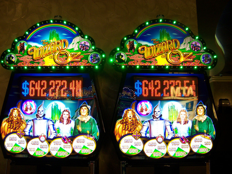 Here's the graphics on the upper part of the Wizard of Oz machine.  The circles at bottom come in to play during one of the bonus rounds.<br /> [Seven Feathers Resort in Canyonville, OR]