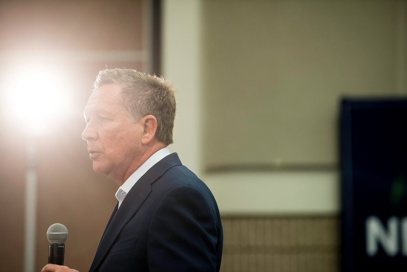 Governor John Kasich speaks at a Town Hall at Fairfax Campus.  Photo by:  Ron Aira/Creative Services/George Mason University