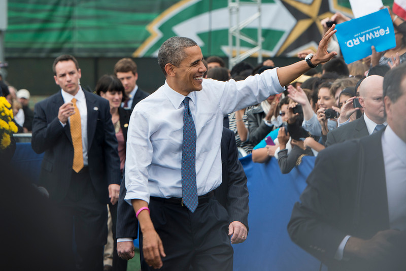 U.S. President Barack Obama greets members of the crowd after he spoke at a campaign rally at Fairfax campus. Photo by Alexis Glenn/Creative Services/George Mason University