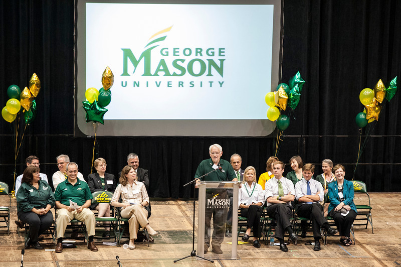Provost Peter Stearns speaks at the New Student Convocation at the Patriot Center. Photo by Alexis Glenn/Creative Services/George Mason University