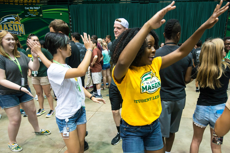 Meet and Greet after Freshman Convocation 2016.  Photo by:  Ron Aira/Creative Services/George Mason University