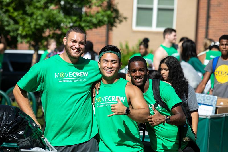 Freshman Move In 2019.  Photo by:  Ron Aira/Creative Services/George Mason University