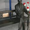 1-Jan Karski bronze