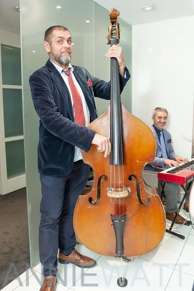 NI_4910 Musician