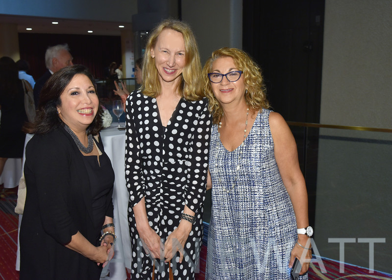 AWA_4019 Bonnie Hoch, Janet Wiesen, Lisa Olmstead