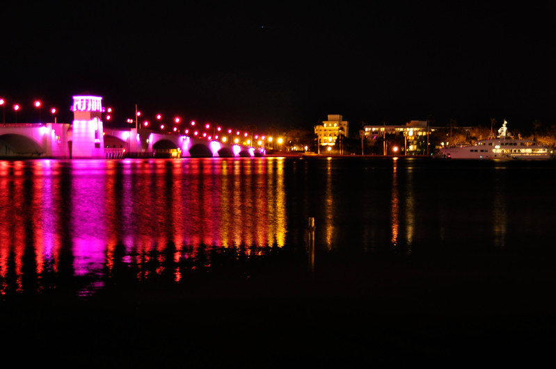 _564-The middle bridge to Palm Beach was turned pink Friday night to commemorate the 30th anniversary of Susan G  Komen South Florida Race for the Cure