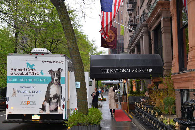 A_6774-Animal Care & Control of NYC trailer outside The National Arts Club