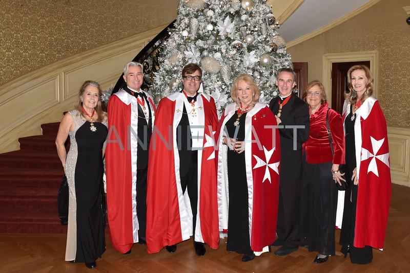 A_0122 Judy Gates, Patrick Hill, Chevalier James Doran, Barbara Gross, Chevalier Father Stephen, Dame Peggy Donovan, Dame Diana