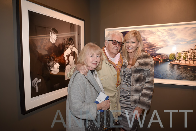 AWA_9835 Gigi Benson, Harry Benson, Julie Hayek