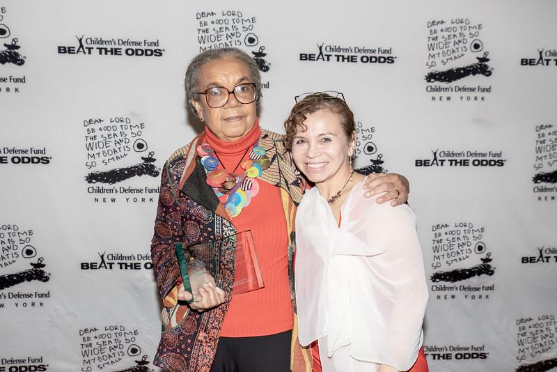 AWA_1407 Marian Wright Edelman, Olga Gonzalez