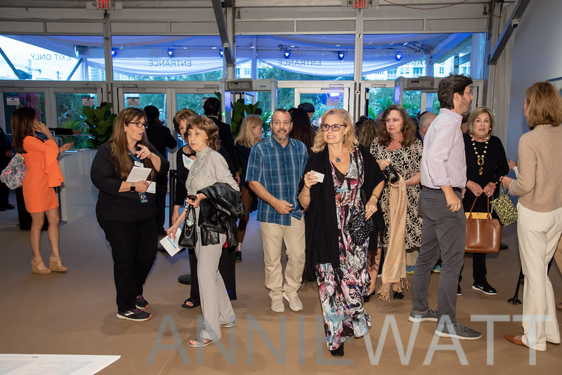 AWA_2432 Guests