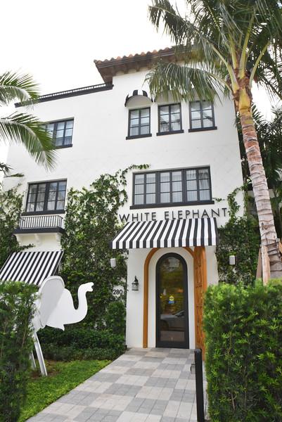 AWA_5020 White Elephant Hotel