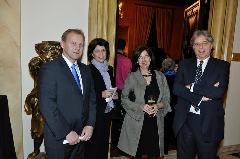 _DSC7986-Deputy Consul General Mr Patrick Lachaussée, Claire de Montesquiou, Sarah de Lencquesaing, Jean Louise de Montesquiou
