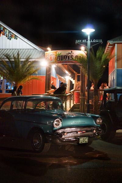 Crusin' Buoy's Bar 8272