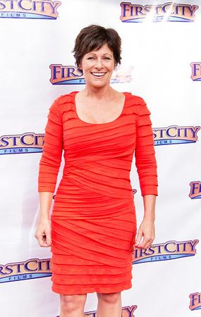 Cindy Hogan (Karon Clements)