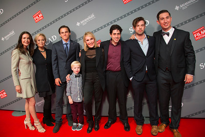 Lois Robbins, Robin Skye, Alex Neustaedter, Spencer Howell, Janet Brennar, Danny Jolles, Zachary Webber, and Nick Williams