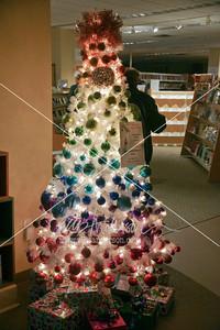 Library Holiday Tree Gala 2015 3019