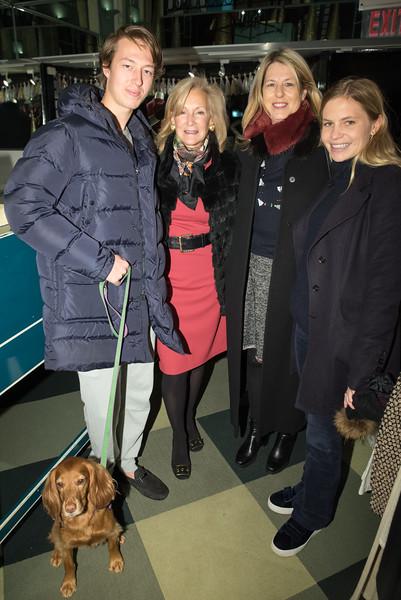 DSC_0732 Davis Collie, Karen Klopp, Ann Colley, Gigi Bacon, Duchess