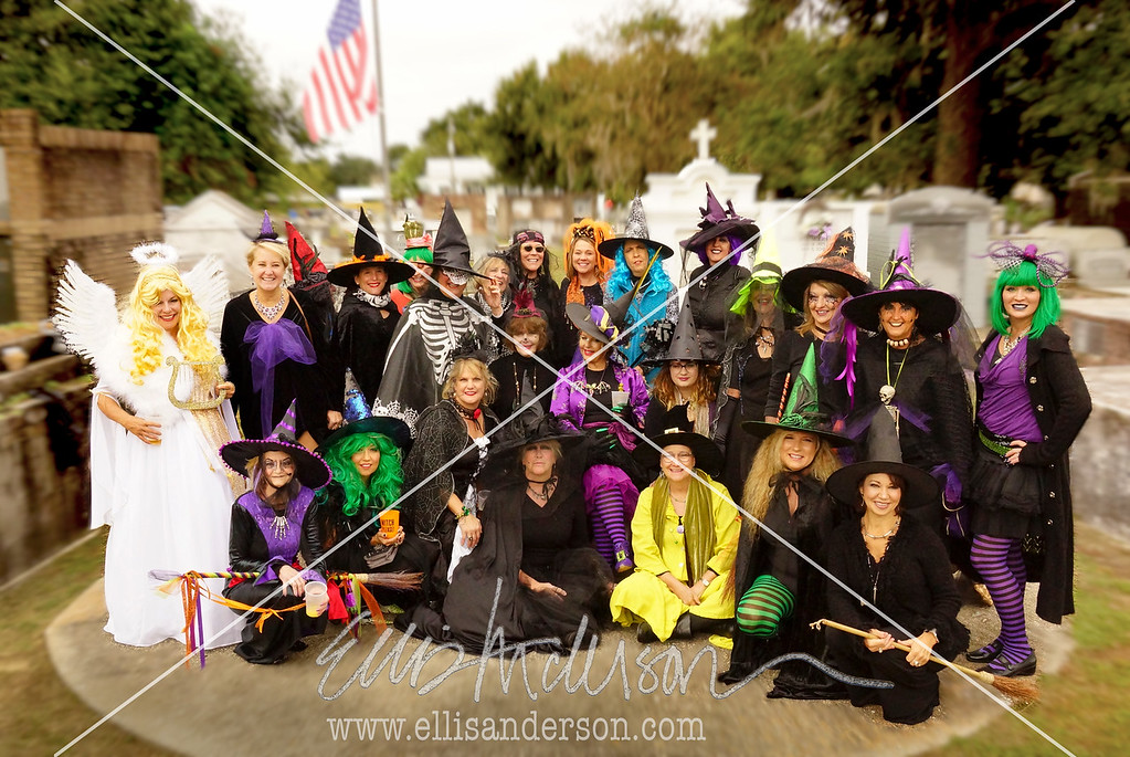 Witches Walk Group 2017 1576 FNN