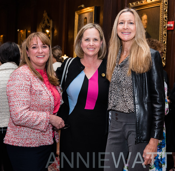 RC_115502A Nicole Dauray, Diane Thomas, Mary Del Castillo