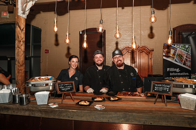 The Ordinary Pub: Jessica, Michael and Justin