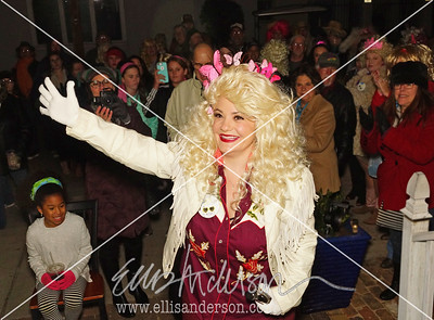 Dolly Look-alike Contest First-place winner, Grace Wilson