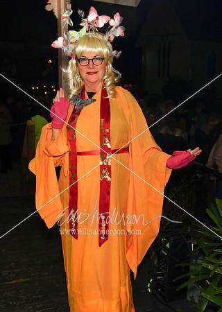 "Brenda Comer as ""Dolly Lama"""