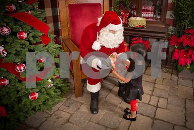 Pesiri Photo Santa RG 112715-12