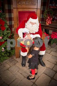 Pesiri Photo Santa RG 112715-17