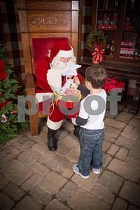 Pesiri Photo Santa RG 112715-21