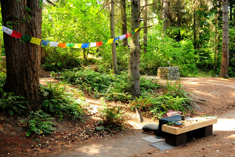 "The site for the wonderful ""Monk"" puppet performance, created by Twig:<br />  <a href=""http://themagictwig.blogspot.com/2009/02/finished-monk-puppet.html"">http://themagictwig.blogspot.com/2009/02/finished-monk-puppet.html</a>"