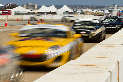 Tight, tight racing down the front straight during the MX-5 Cup race
