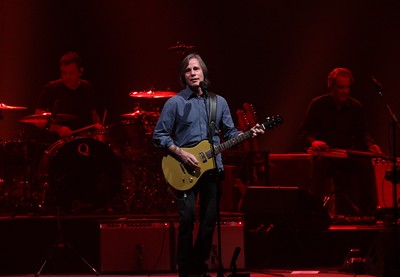 Jackson Browne - Riverside Theater - Milwaukee Wisconsin, Nov. 2015