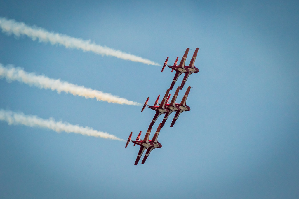IMAGE: https://photos.smugmug.com/Events-Non-Automotive/Huntington-Beach-Air-Show-2017/i-dHn7KmM/0/e700e7a6/XL/9C4A2270-XL.jpg