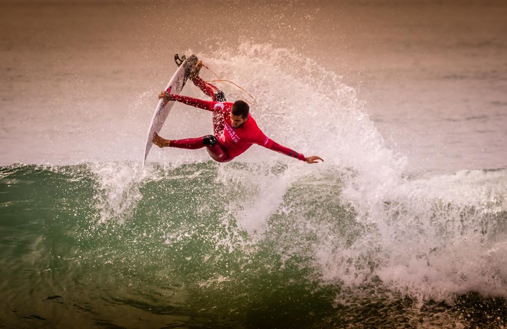 IMAGE: https://photos.smugmug.com/Events-Non-Automotive/World-Surf-League-Championships-Trestles-Beach-2017/i-58qgP2G/0/7ca3cceb/XL/9C4A2018-XL.jpg