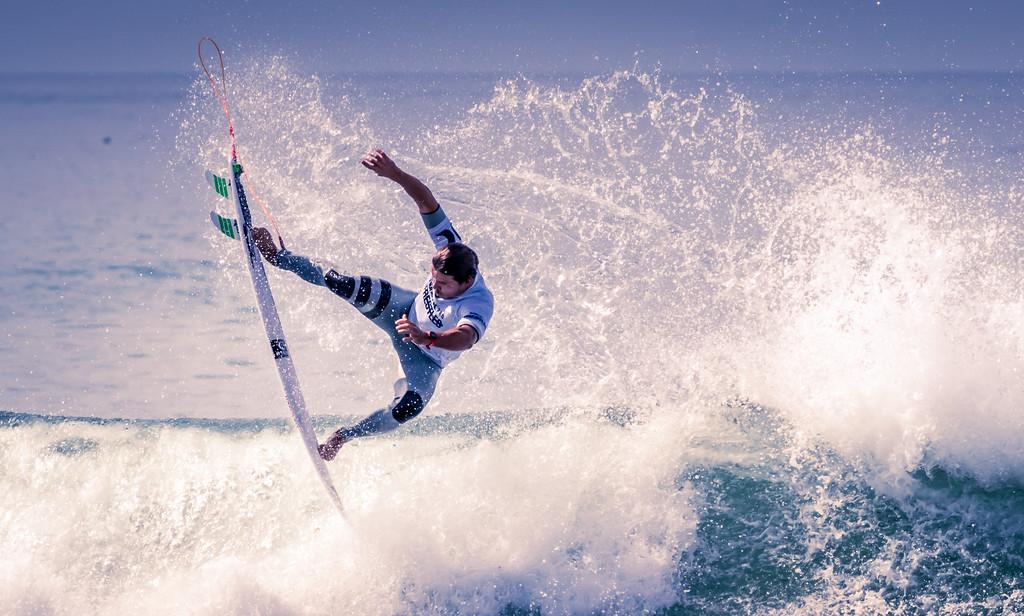 IMAGE: https://photos.smugmug.com/Events-Non-Automotive/World-Surf-League-Championships-Trestles-Beach-2017/i-C4QcbDc/0/fbc559c2/XL/9C4A1899-XL.jpg