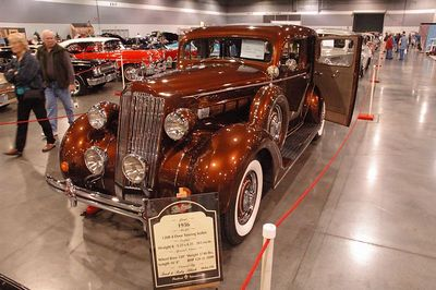 1936 Packard 4-door Sedan